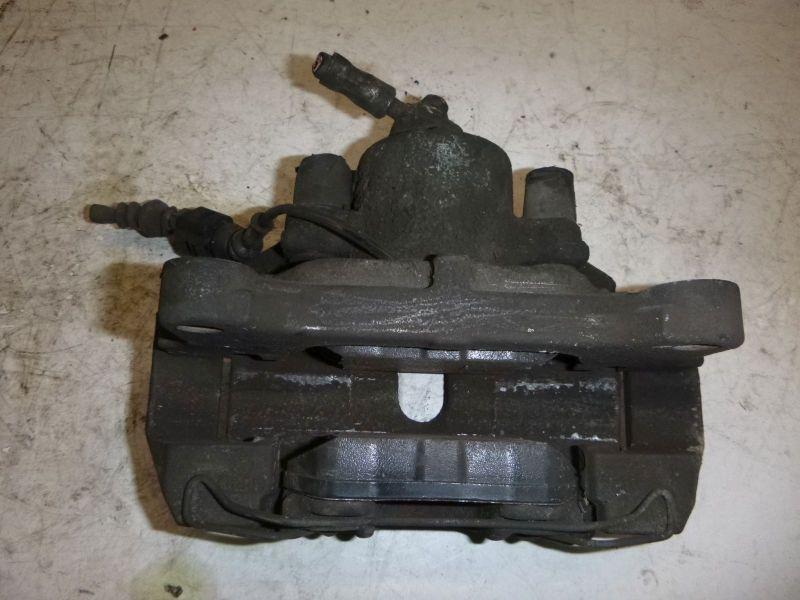 Bremssattel links vorn VW PASSAT (3C2) 2.0 FSI