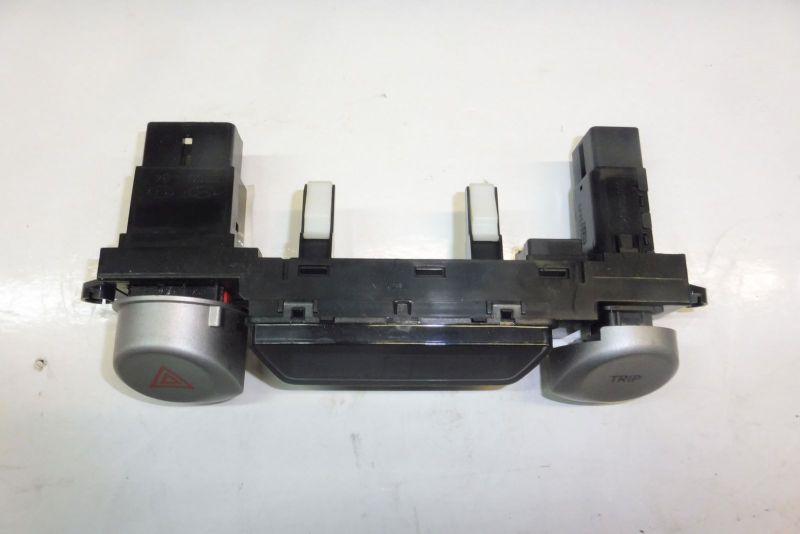Schalter Warnblinker VOLVO V70 II (P80_) 2.5 TDI