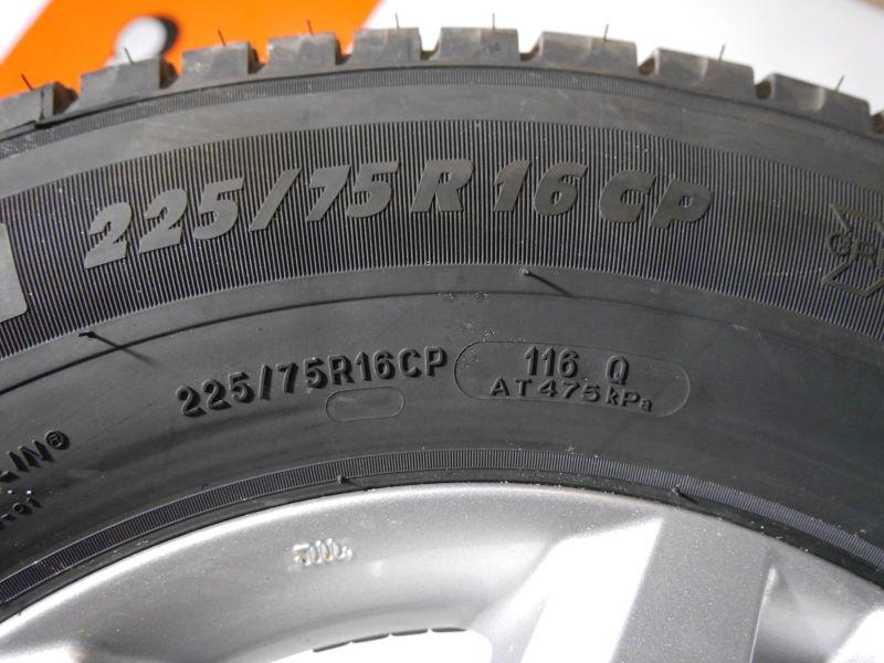 Komplettrad:225/75 R16 116P Auf Aluminiumfelge 6JX16 H2 ET68 LK5X1301Satz(je4Stück)