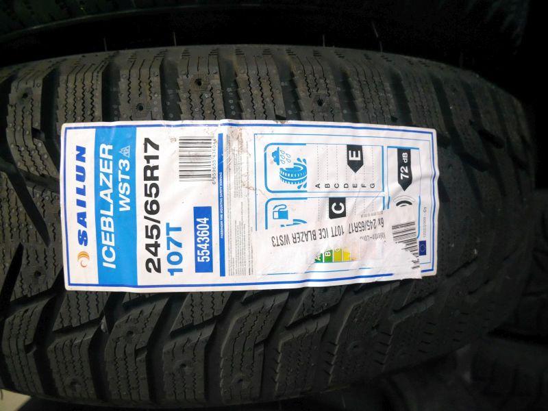 Winterreifen245/65 R17 104T1Satz(je4Stück)